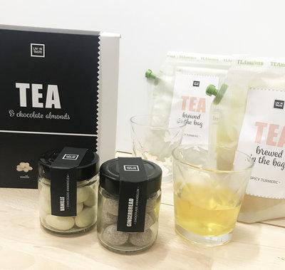 Teabrewer gift set met chocolade-amandelen